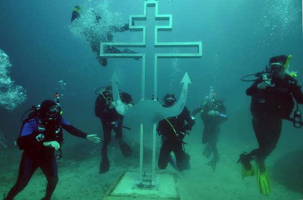 underwater-church