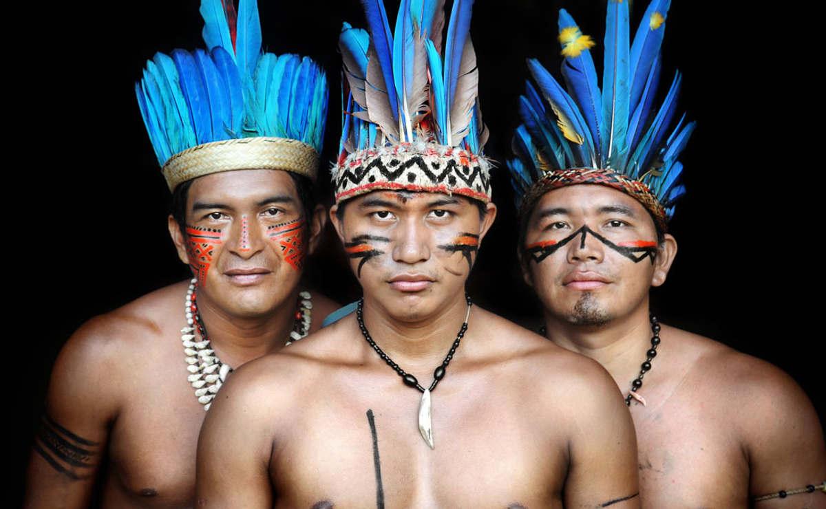 Los indígenas son tan salvajes... como casi todos los seres humanos.